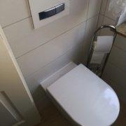Silikonfugen erneuern Toilette Rs Reich